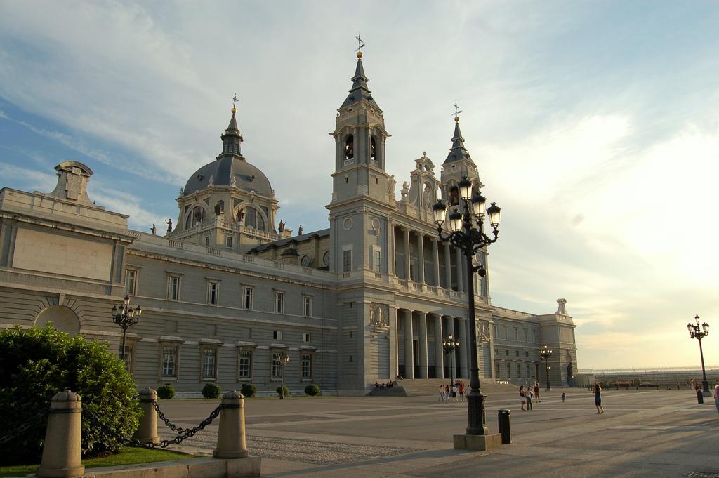 Catedral Almudena1 celikins