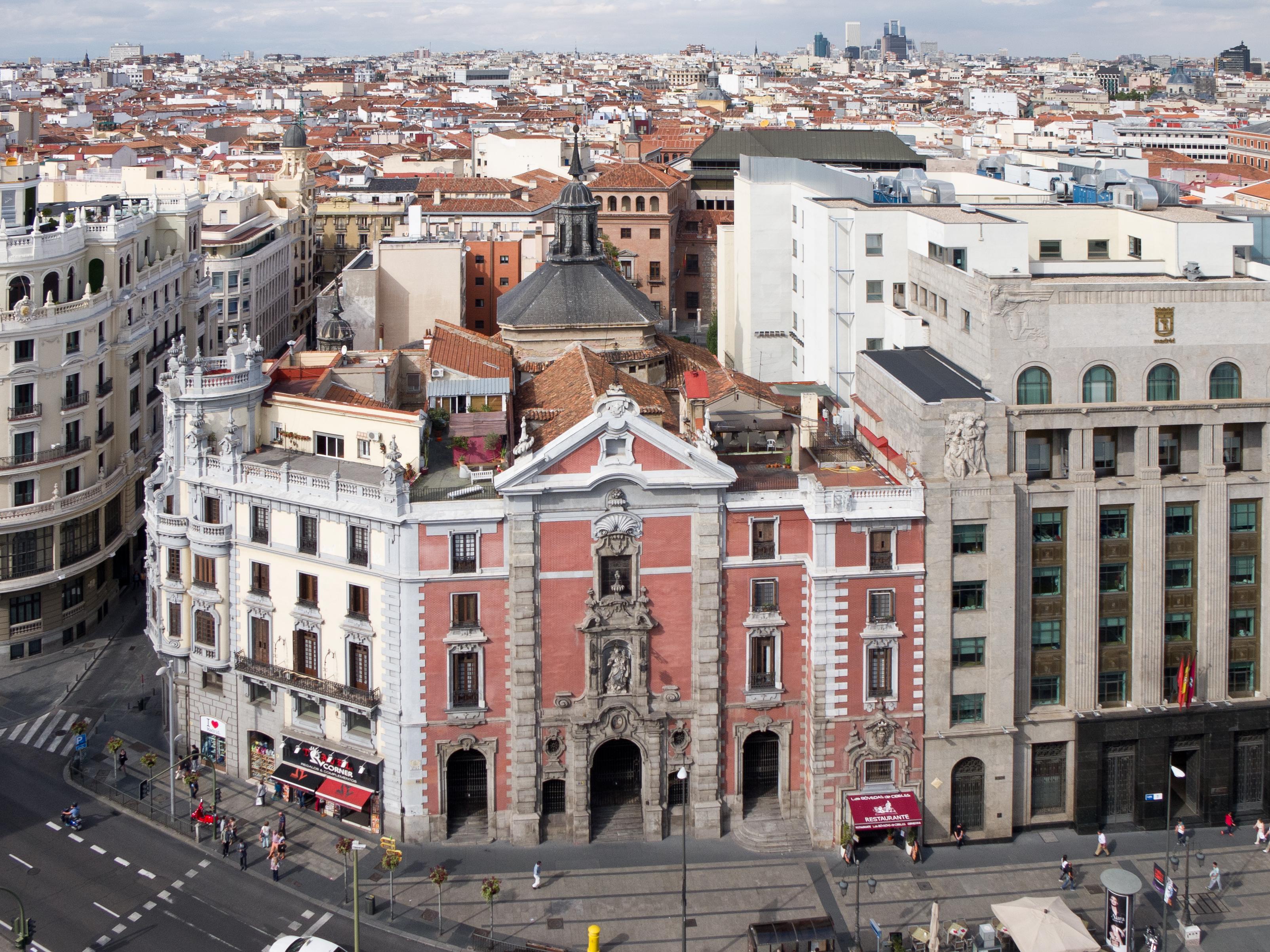 Iglesia de San Jose, situada entre las calles Alcalá y Gran Via