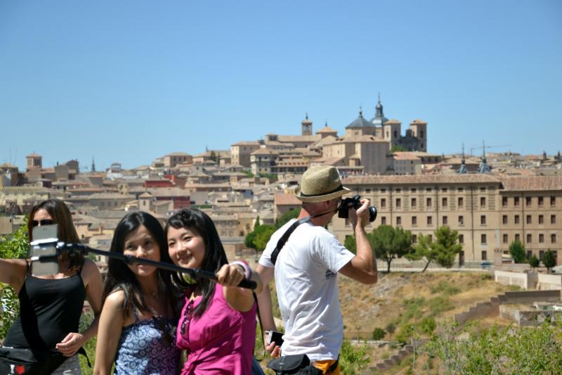 Cada día miles de turistas llegan a Toledo desde Madrid / Foto: OgoTours