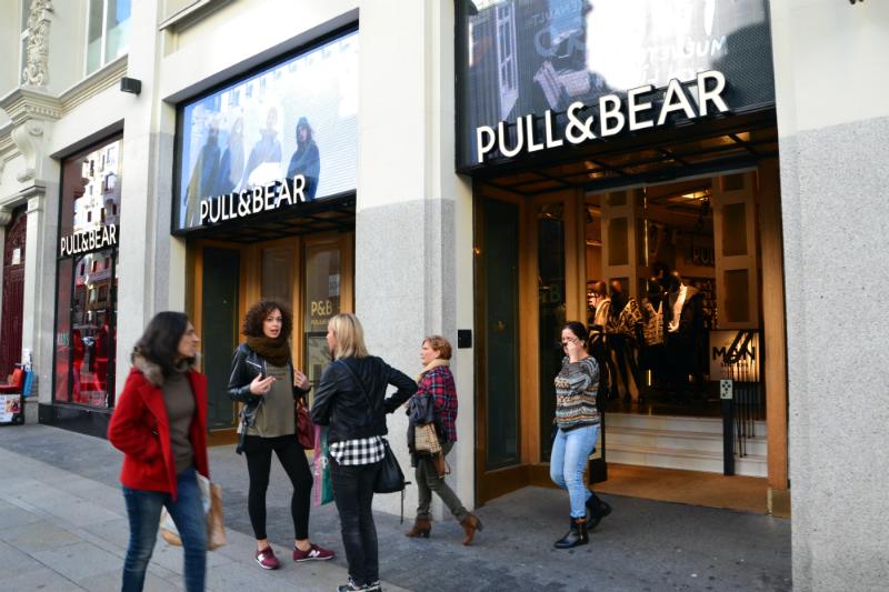 Donde ir de compras en Madrid - La calle Gran Vía es uno de los epicentros comerciales de la ciudad / foto: OgoTours